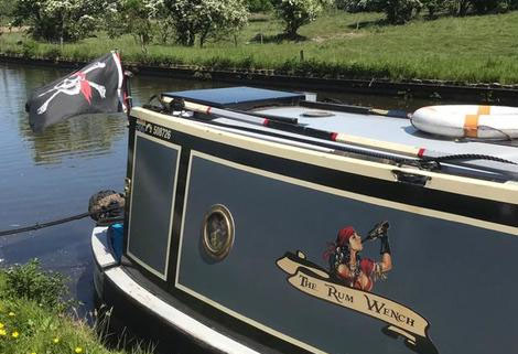 Narrowboat 'the rum wench'