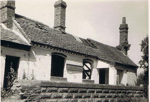 Shipton Weir Lock Cottage