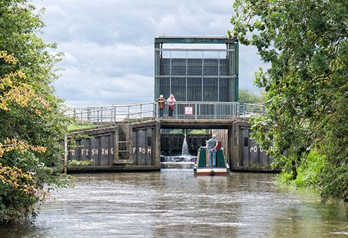 Irthlingborough lock