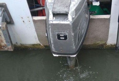 outboard motor with cooling water