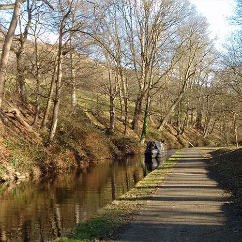 Llangollen Canal - approaching Llangollen