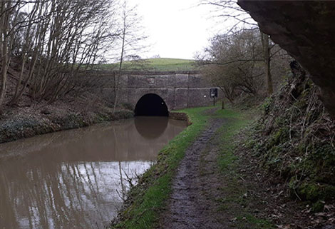 Crick tunnel entrance