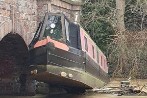 RCR rescue narrowboat river soar