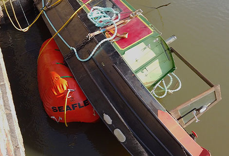 air bags attached to stricken narrowboat
