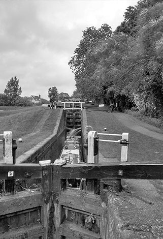 locks on grand union canal