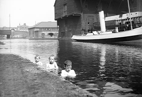 Boys swimming by Victory Bridge, 1905, London Canal Museum