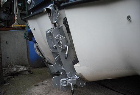 caraboat - folding hitch up